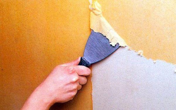 Как правильно снять со стен бумажные обои на виниловой основе