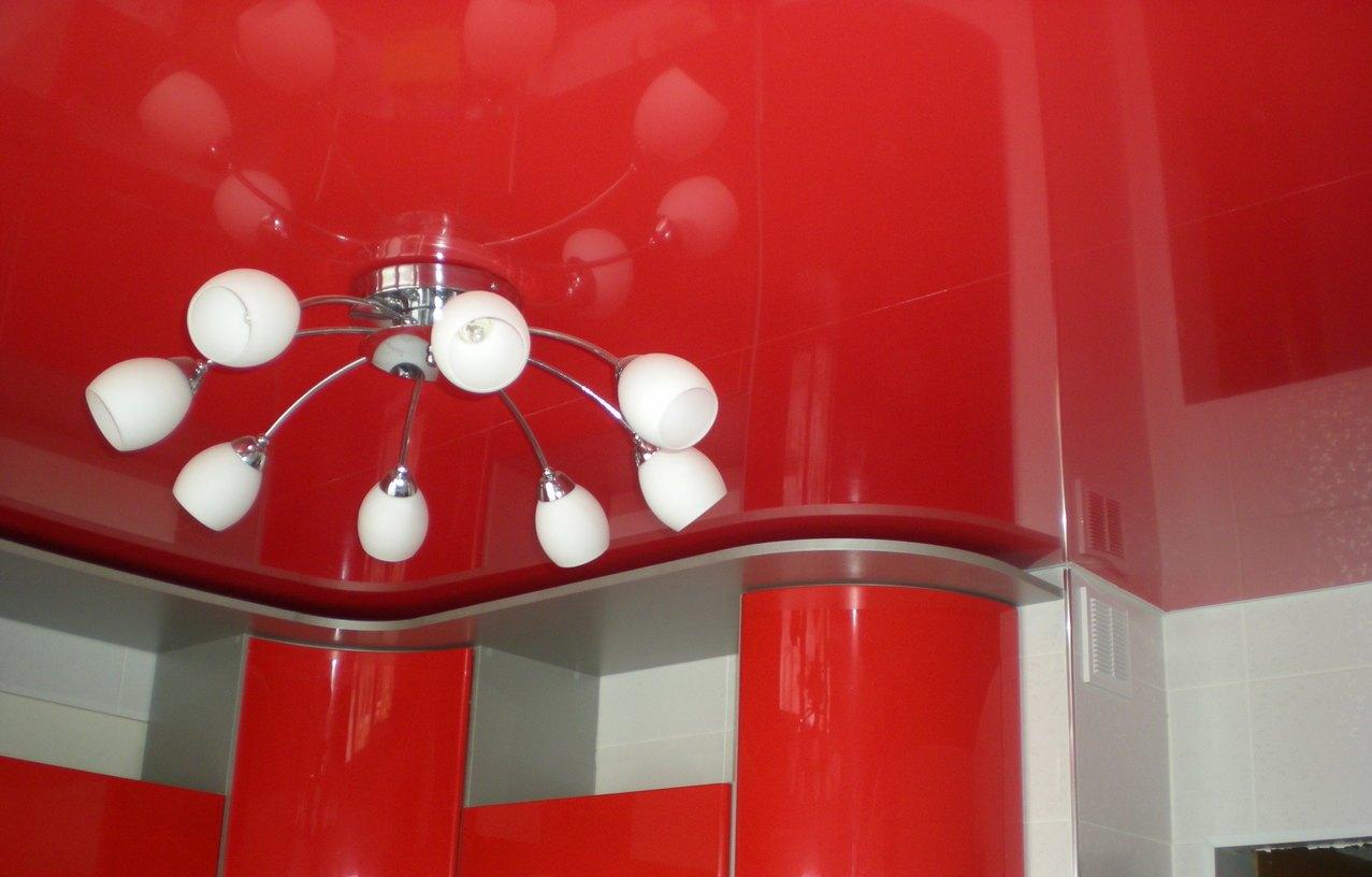 Люстра - важный элемент декора, который необходимо правильно установить