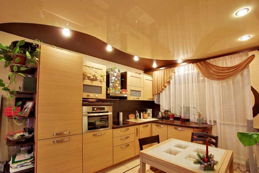 Потолок для кухни должен отвечать необходимым требованиям в связи с повышенной влажностью