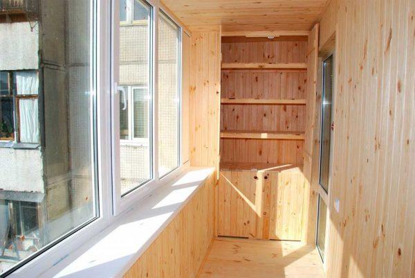 Какие материалы подходят для внутренней отделки лоджий и закрытых балконов?