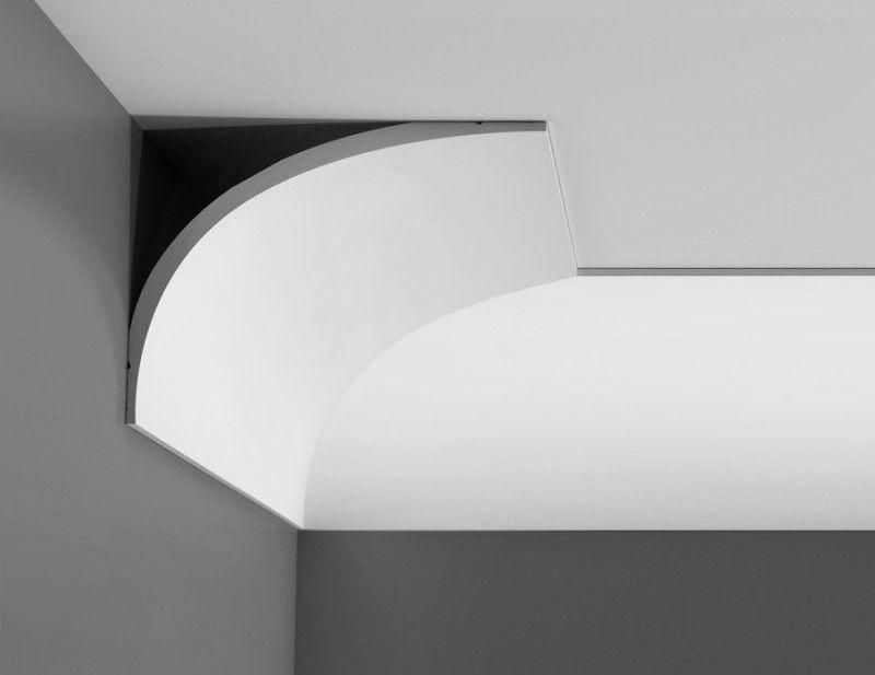 Плинтус в стиле хай-тек имеет самую простую форму