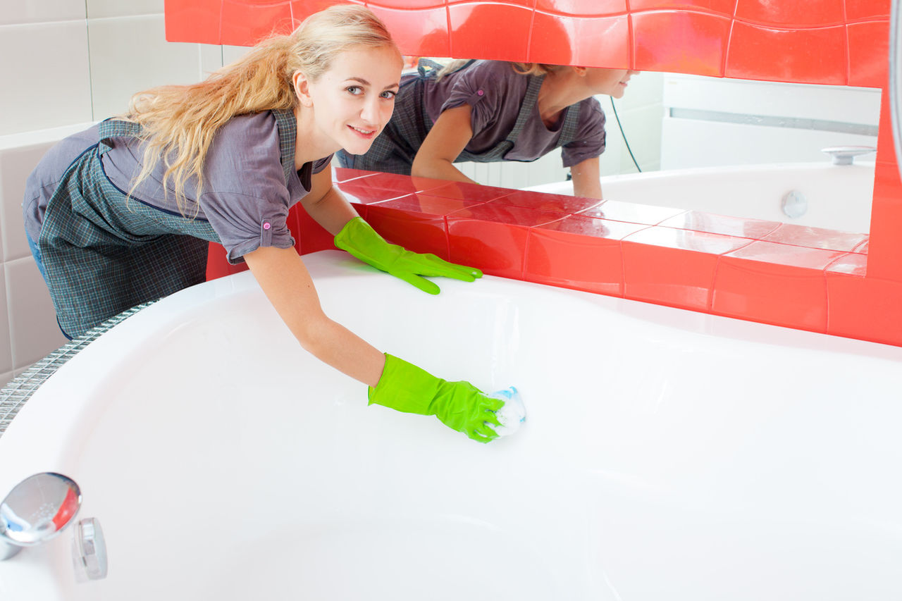 Реставрация ванны гораздо дешевле установки новой сантехники