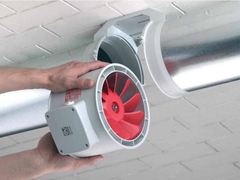 Монтаж вытяжного вентилятора на потолок