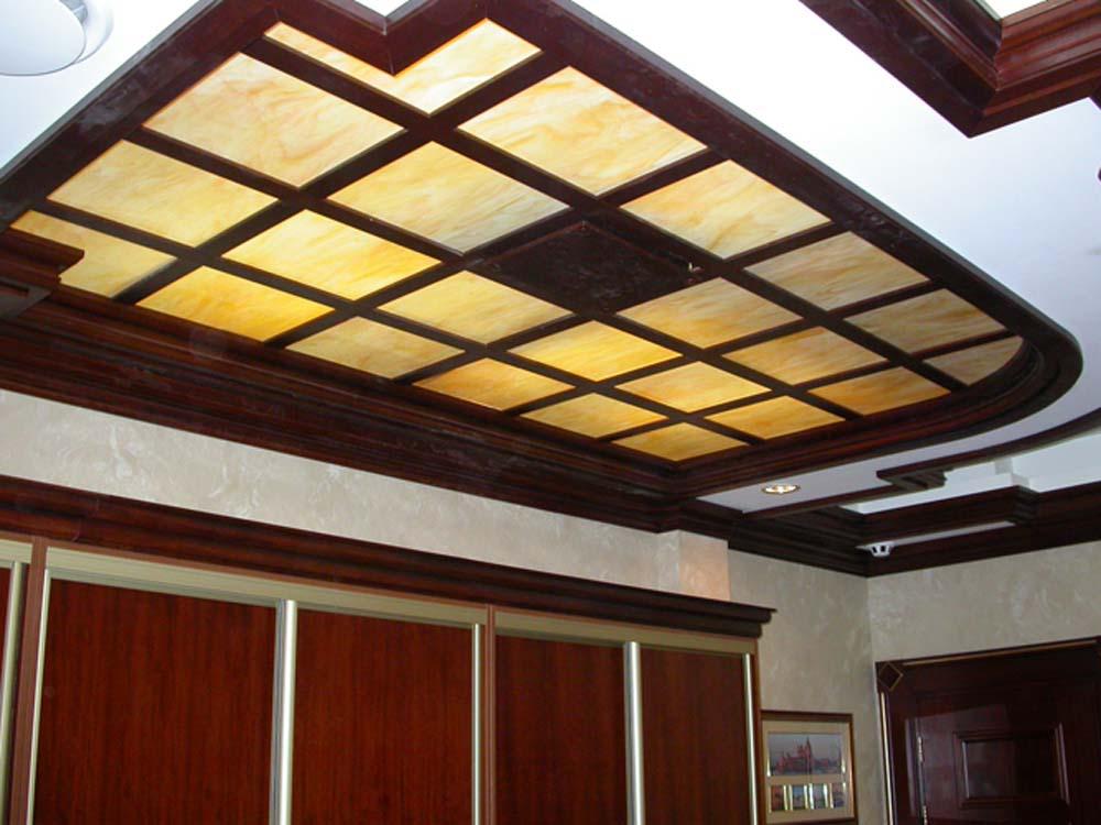 Акриловый потолок может быть матовым
