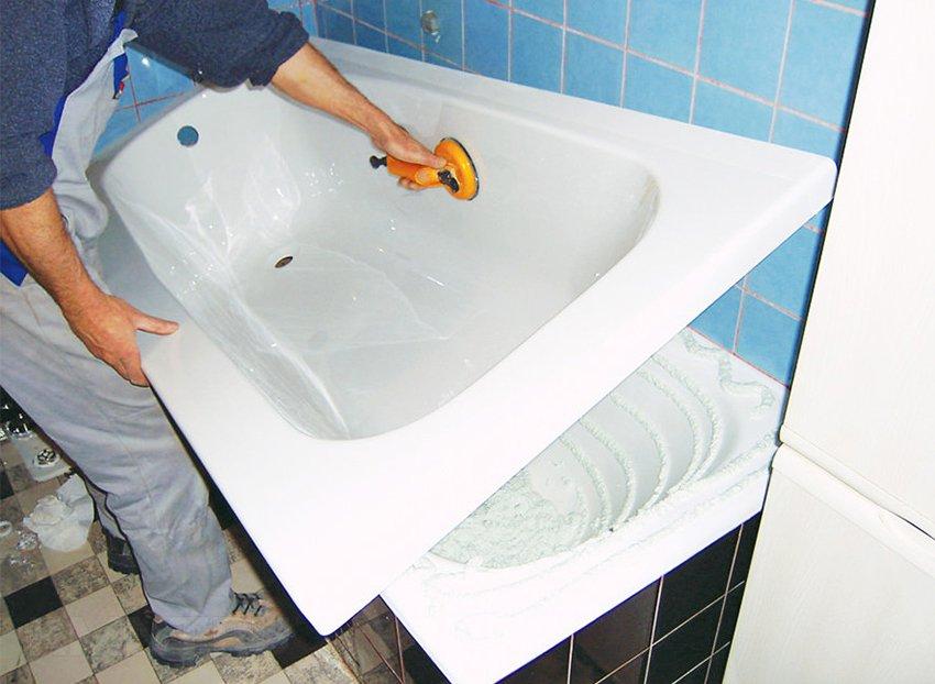 Вкладыш необходимо подобрать по размеру ванны