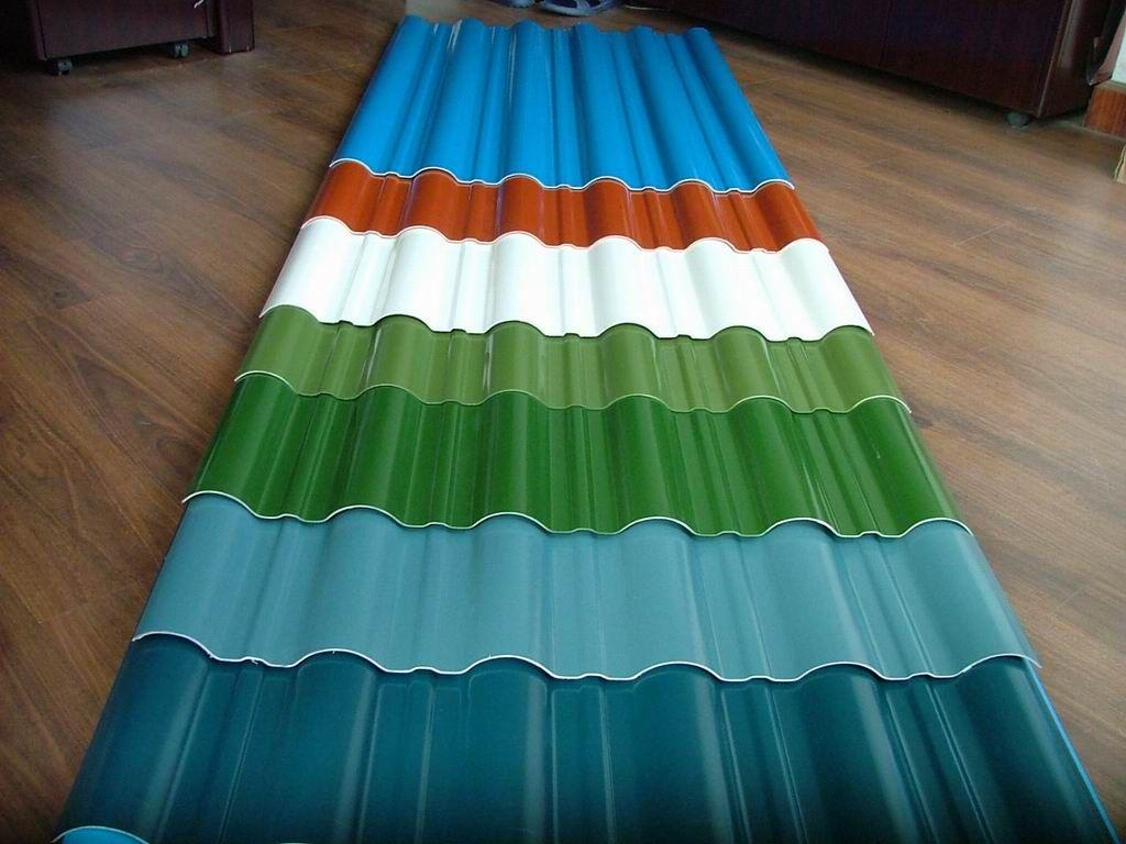 Благодаря резиновой краске можно сделать любой цвет крыши