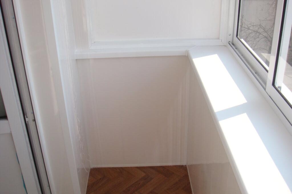 Отделка балкона сандвич панелями