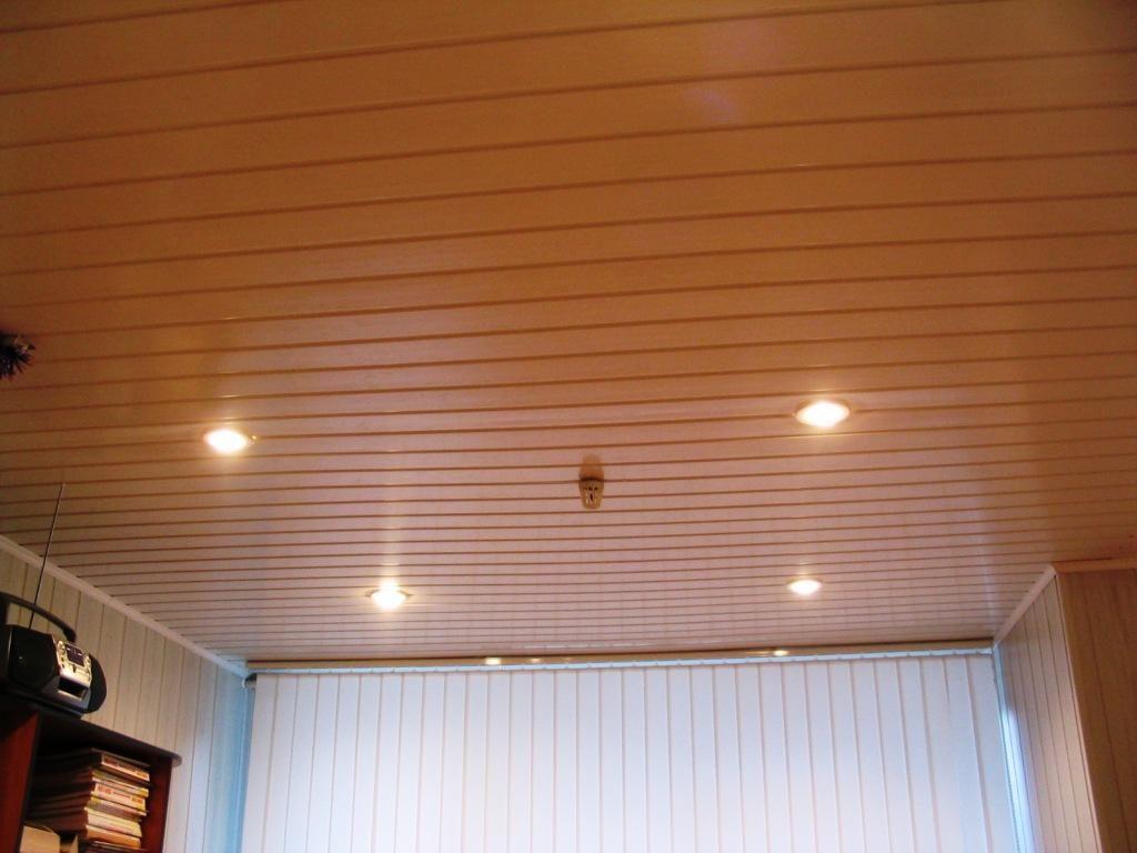Отделка потолка вагонкой