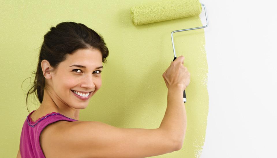 Латексную краску для кухни можно применять вместе с колером для создания необходимого цвета