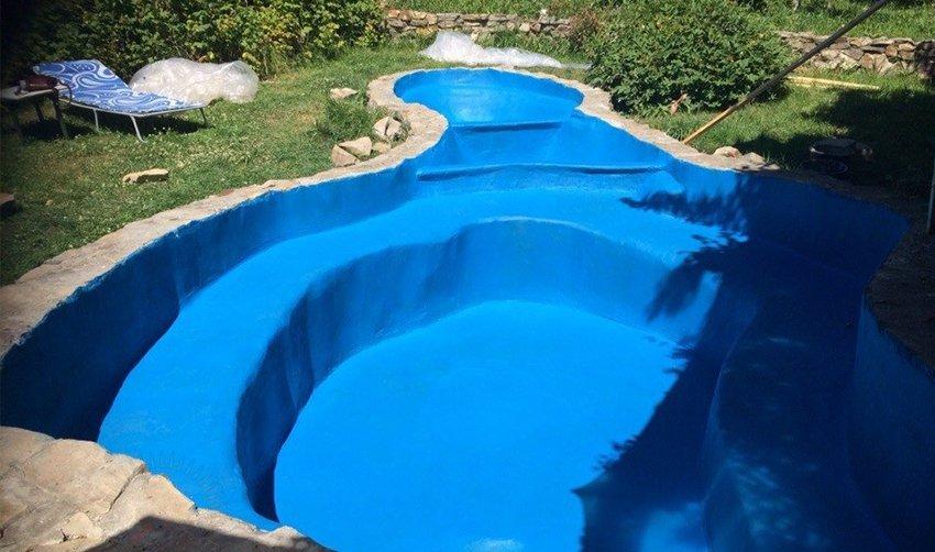 Резиновая краска имеет широкое применение, ей можно воспользоваться даже для покраски бассейна