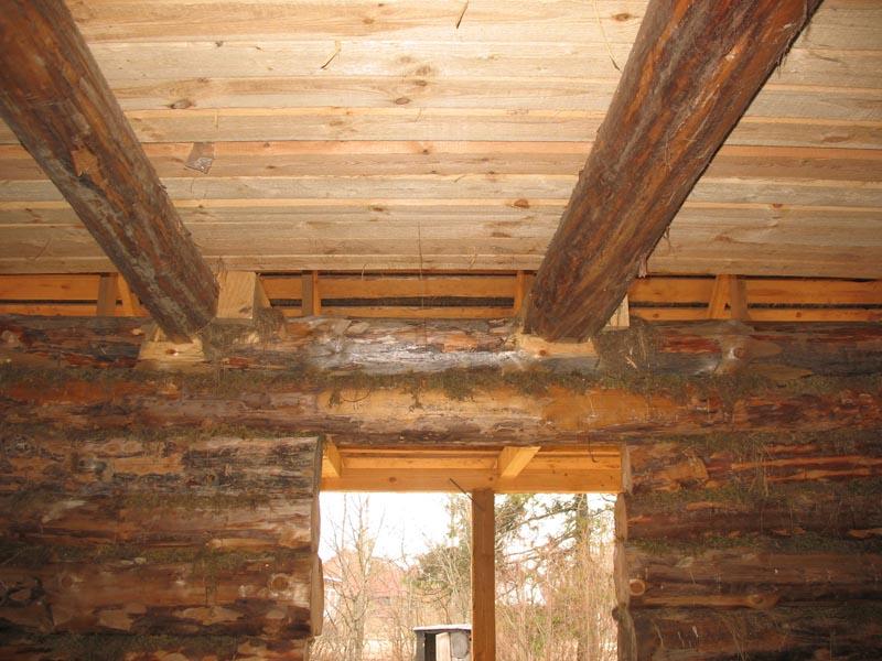 Устройство потолка в деревянном доме