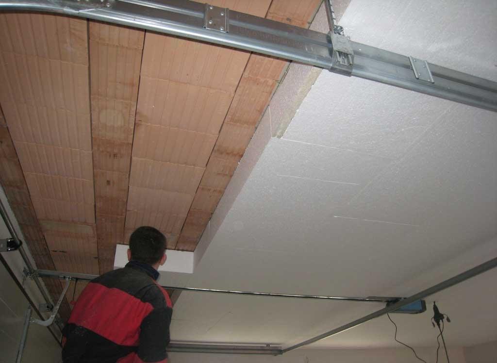 Утепление потолка подвала пенопластом
