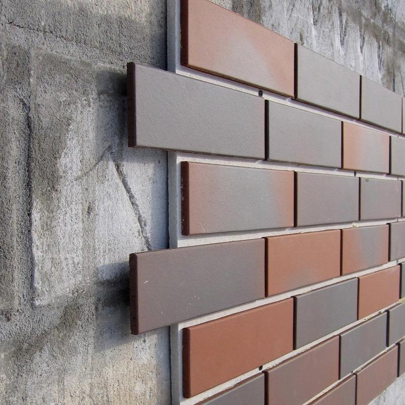 Фасадные панели могут быть сделаны и под кирпич, и под камень