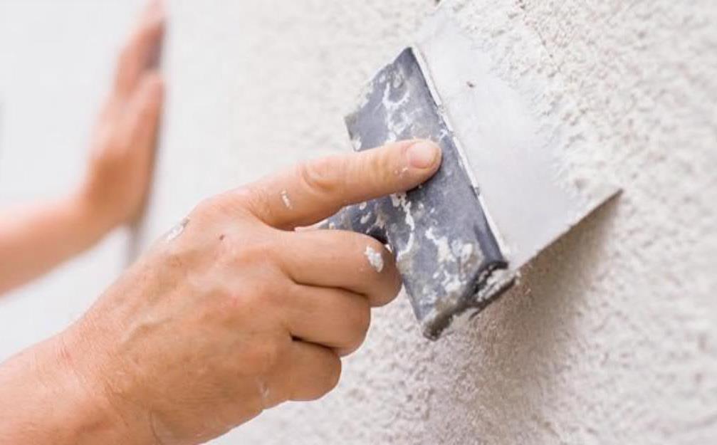 Финишная шпаклевка маскирует мелкие дефекты стен