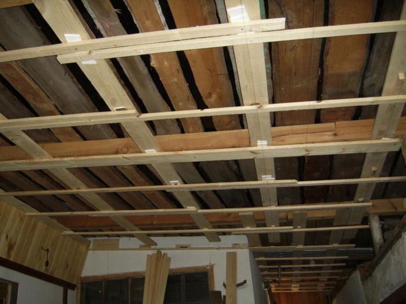 Обрешетка для деревянного потолка