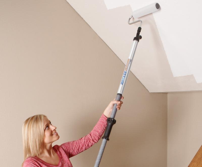 Окрашивание потолка водоэмульсионной краской возможно даже в один слой