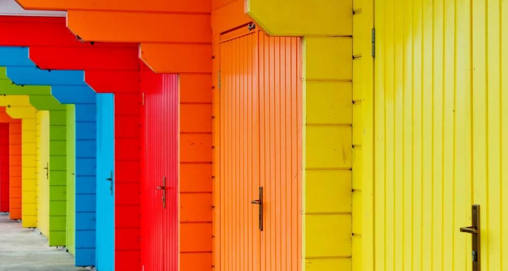 Алкидные краски имеют стойкий цвет