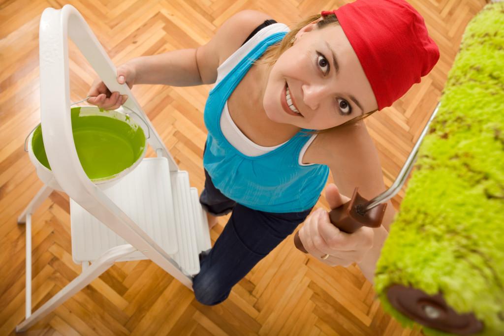 При выборе краски необходимо учитывать применение помещения