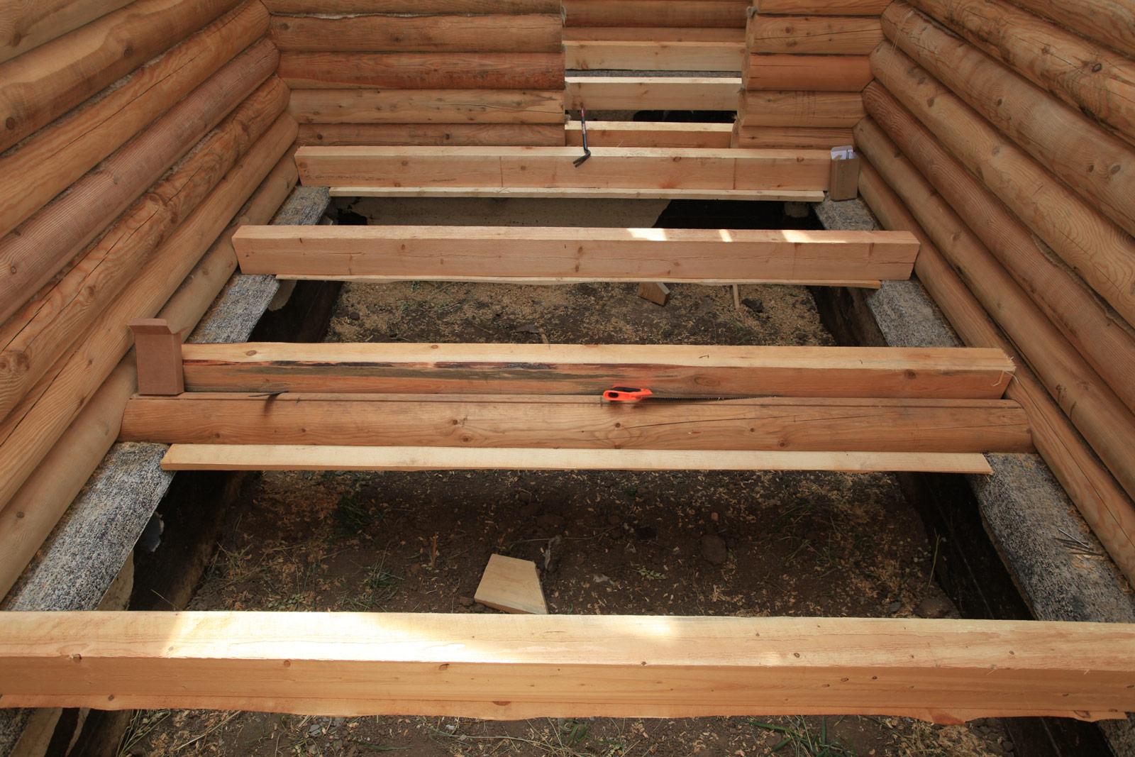 Поднять потолок можно посредством опускания уровня пола