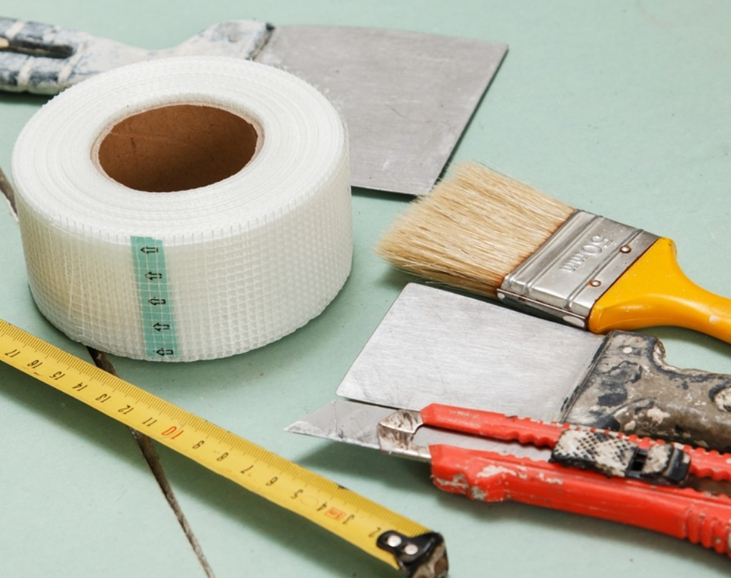 Инструменты для шпаклевания потолка