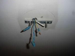 как работают с проводкой