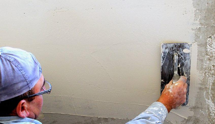 вскрытие стен стартовой шпатлевкой